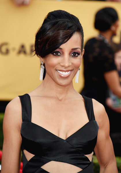 On The Red Carpet – Best Hairstyles & Makeup at the 2015 SAG Awards 3