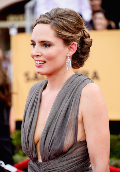 On The Red Carpet – Best Hairstyles & Makeup at the 2015 SAG Awards 6