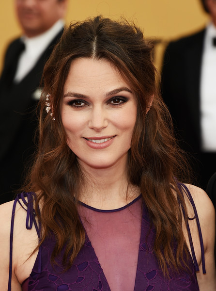 On The Red Carpet – Best Hairstyles & Makeup at the 2015 SAG Awards 9
