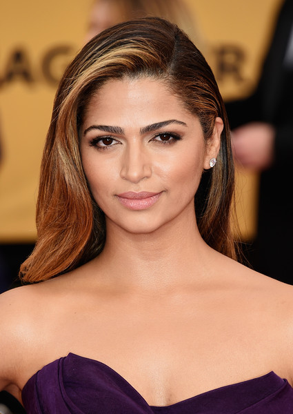 On The Red Carpet – Best Hairstyles & Makeup at the 2015 SAG Awards14
