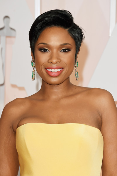 Best Hairstyles & Makeup Looks From The 87th Annual Academy Awards 11
