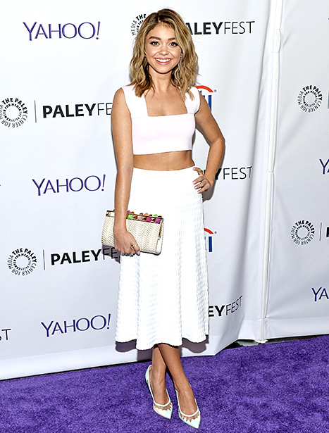 Sarah Hyland Shows Of New Lob Hairstyle