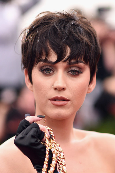 Katy Perry Shows Off New Pixie, and Megan Fox Gets A Blonde Bob 4