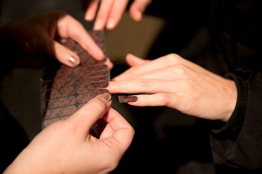 2015 Fall / 2016 Winter Nail Polish Trends - Fashion Trend Seeker
