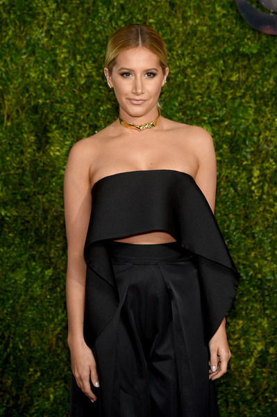2015 Tony Awards Hairstyles & Makeup Looks 10