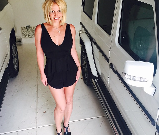 Britney Spears Joins Lob Hair Trend Posts Edgy New Look Via