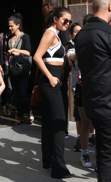 Selena Gomez is Business Chic In Black and White 4