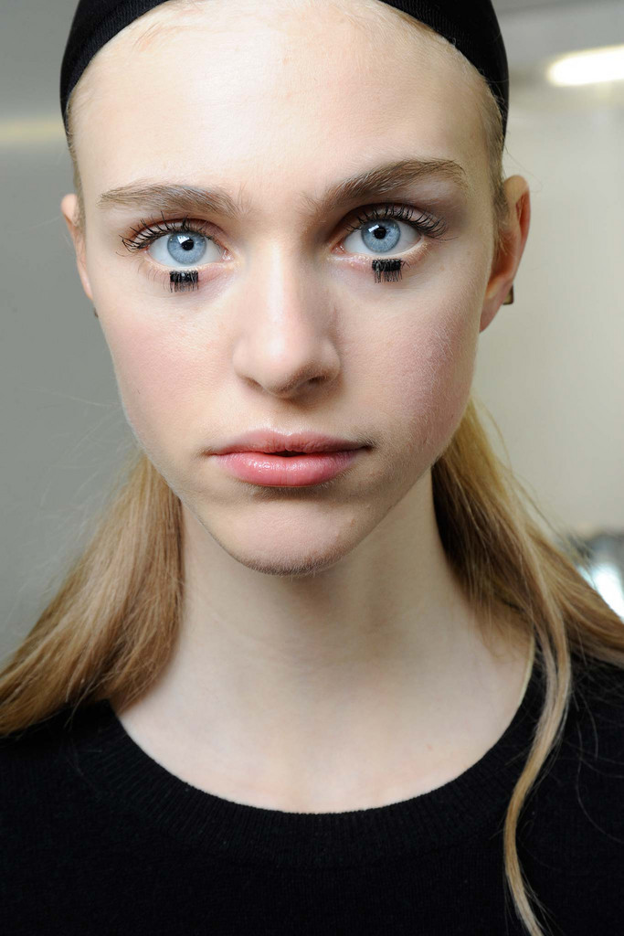 2015 Fall - Winter 2016 Makeup Trends 12