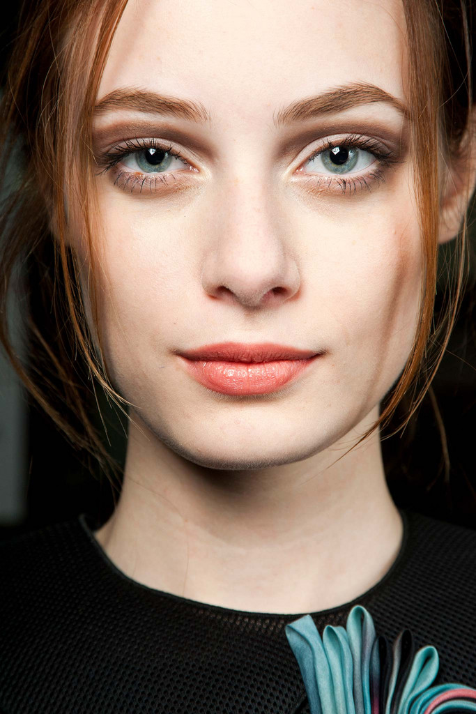 2015 Fall - Winter 2016 Makeup Trends 13