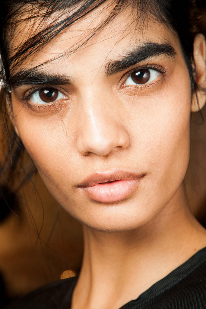 2015 Fall - Winter 2016 Makeup Trends 9