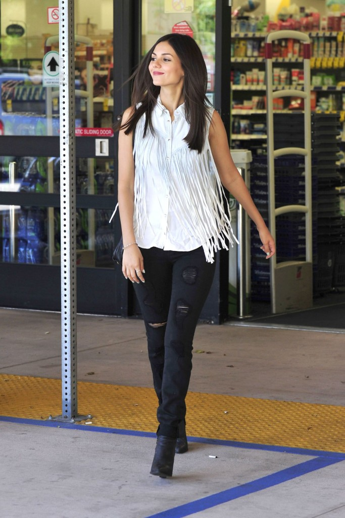 Celebrity Style Victoria Justice Wears Fringe Top And