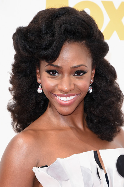 2015 Primetime Emmy Awards Hairstyles + Makeup Looks 11