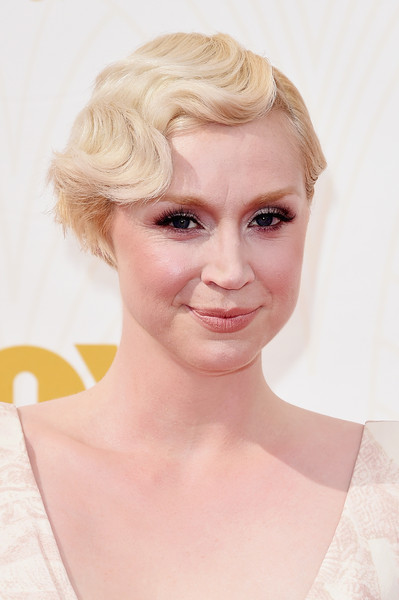 2015 Primetime Emmy Awards Hairstyles + Makeup Looks 13