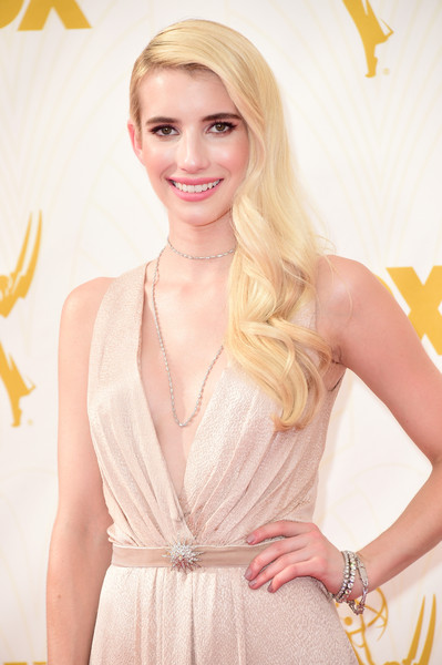 2015 Primetime Emmy Awards Hairstyles + Makeup Looks 16