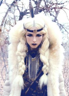 20 Halloween Hairstyles To Spice Up Your Costume 18