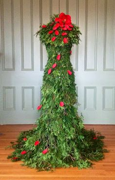 25 christmas tree dress form ideas for your inner for Ideas for dressing a christmas tree