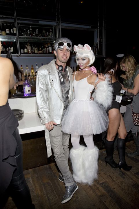 2015 Celebrities In Halloween Costumes 8