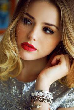 Sensational 2016 New Years Eve Hairstyles Amp Makeup Ideas Fashion Trend Seeker Short Hairstyles Gunalazisus