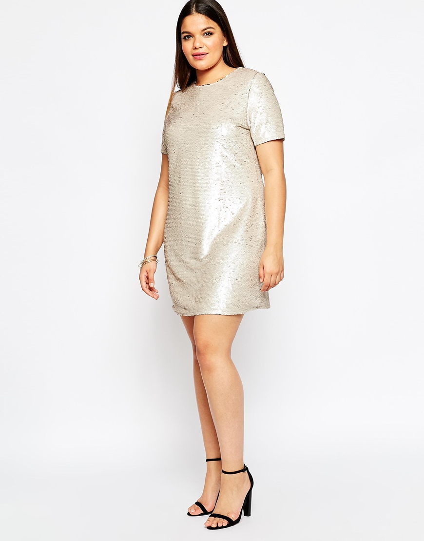 Holiday Dresses in Plus Size