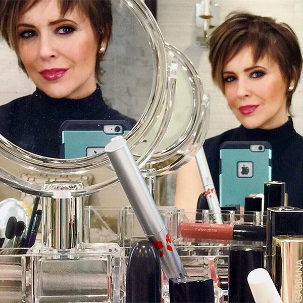 Alyssa Milano Goes Back To Short Hair for Her B-day