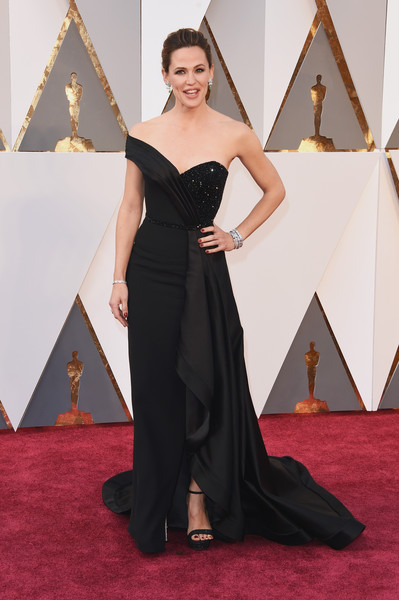 Red Carpet Fashion Best Dressed At The 88th Annual Academy Awards 14
