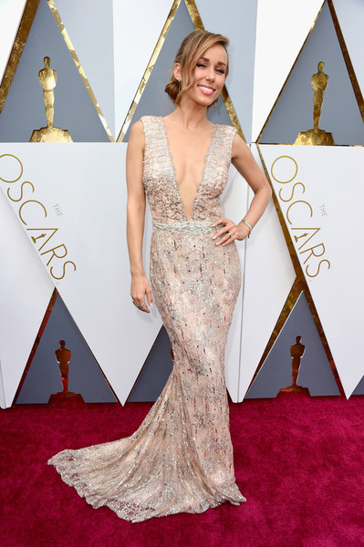 Red Carpet Fashion Best Dressed At The 88th Annual Academy Awards 3