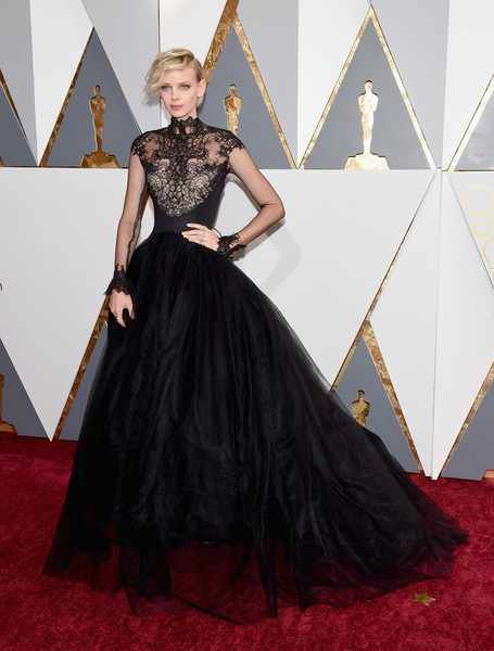 Red Carpet Fashion Best Dressed At The 88th Annual Academy Awards 4