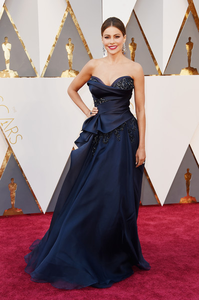 Red Carpet Fashion Best Dressed At The 88th Annual Academy Awards 8