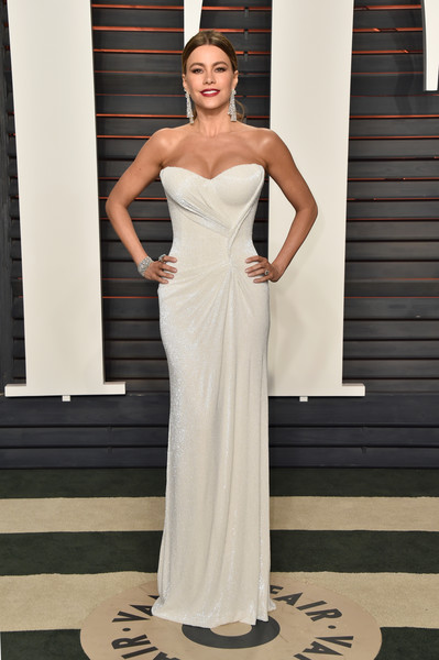 She Did That - Best Dressed At The 2016 Vanity Fair Oscar Party 7