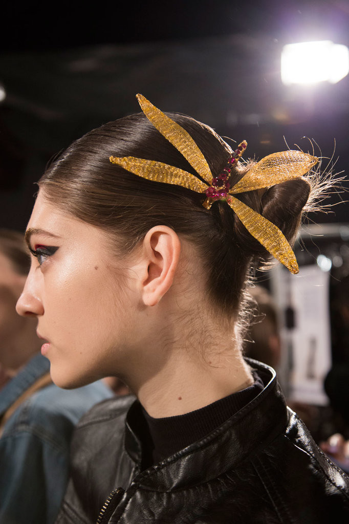 2016 Fall - Winter 2017 Hairstyles - Looks On The Runway 17
