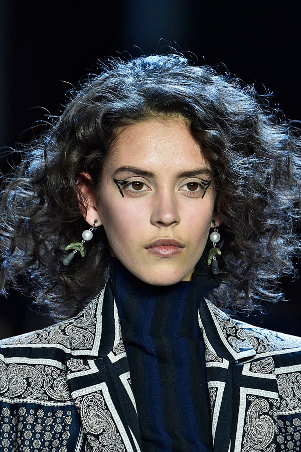 2016 Fall - Winter 2017 Hairstyles - Looks On The Runway 3
