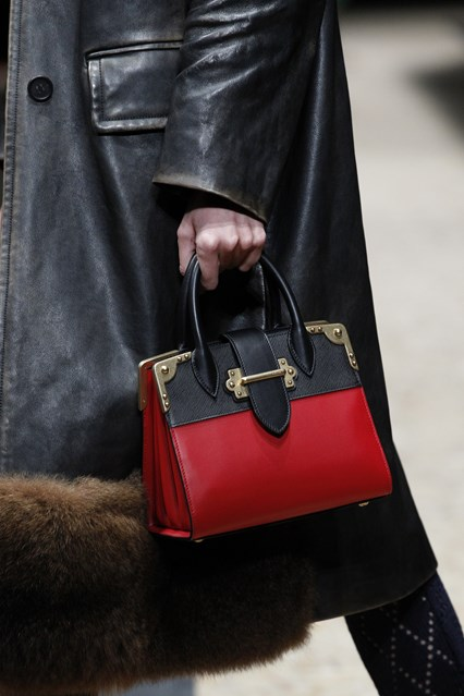 2016 Fall - 2017 Winter Handbag Trends 20