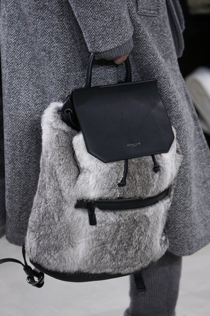 2016 Fall - 2017 Winter Handbag Trends 32