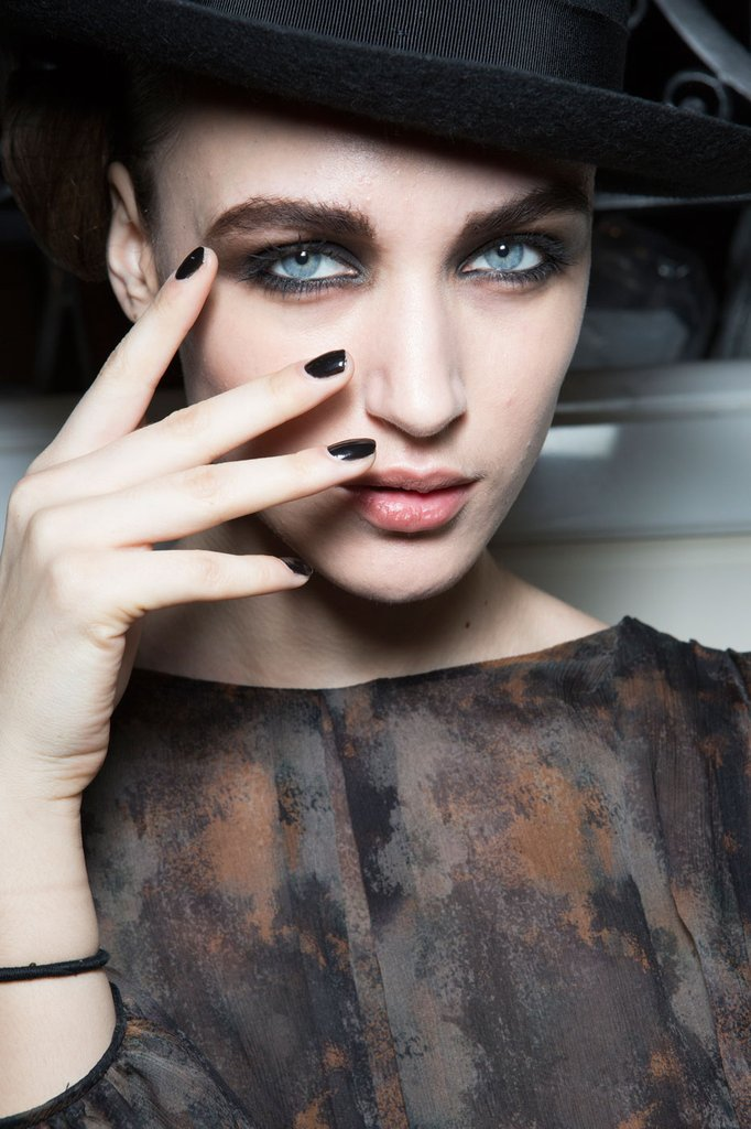 2016 Fall / 2017 Winter Nail Polish Trends Archives - Fashion Trend ...