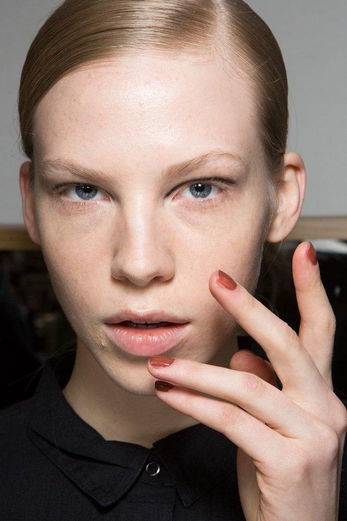 2016 Fall - 2017 Winter Nail Polish Trends 5 - Fashion Trend Seeker