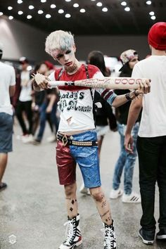 harley-quinn-halloween-costume-inspiration-from-suicide-squad-5