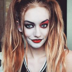 one-of-a-kind-best-diy-harley-quinn-from-suicide-squad-costume-cosplay-ideas-56