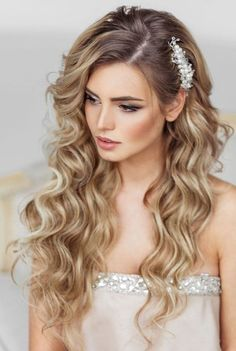 2017-prom-hairstyles-13