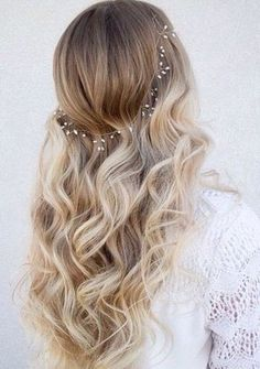 2017-prom-hairstyles-7