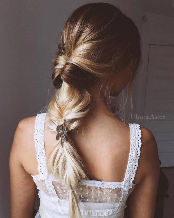 Ulyana-Aster-Long-Bridal-Hairstyles-for-Wedding_17