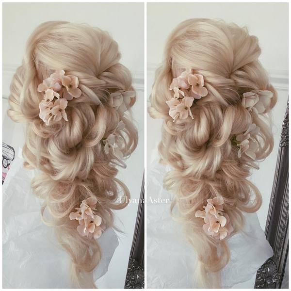 Ulyana-Aster-Long-Bridal-Hairstyles-for-Wedding_30