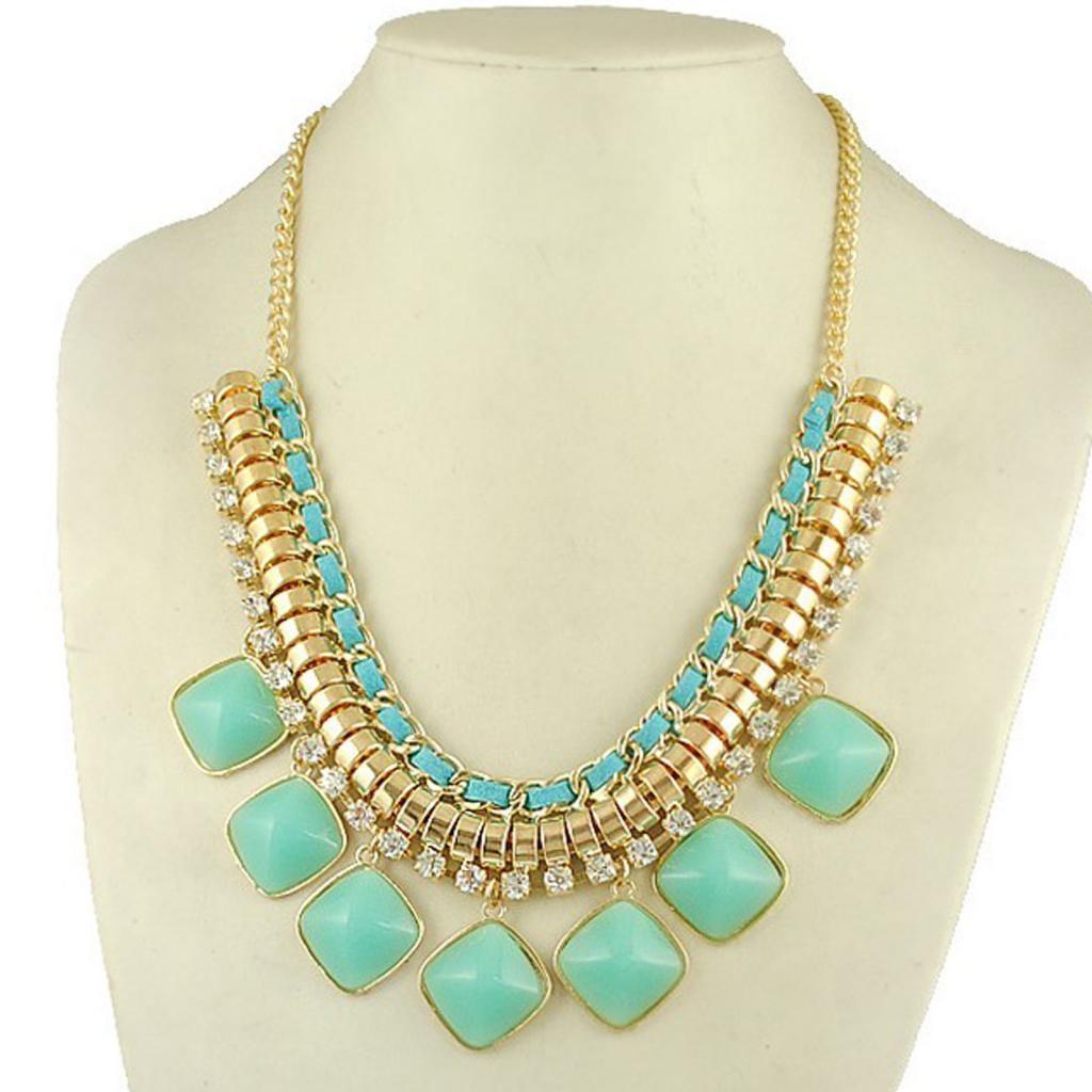 Top Fashion Trend Seeker Shop - Luxurious Turquoise Crystal Bib  BX02