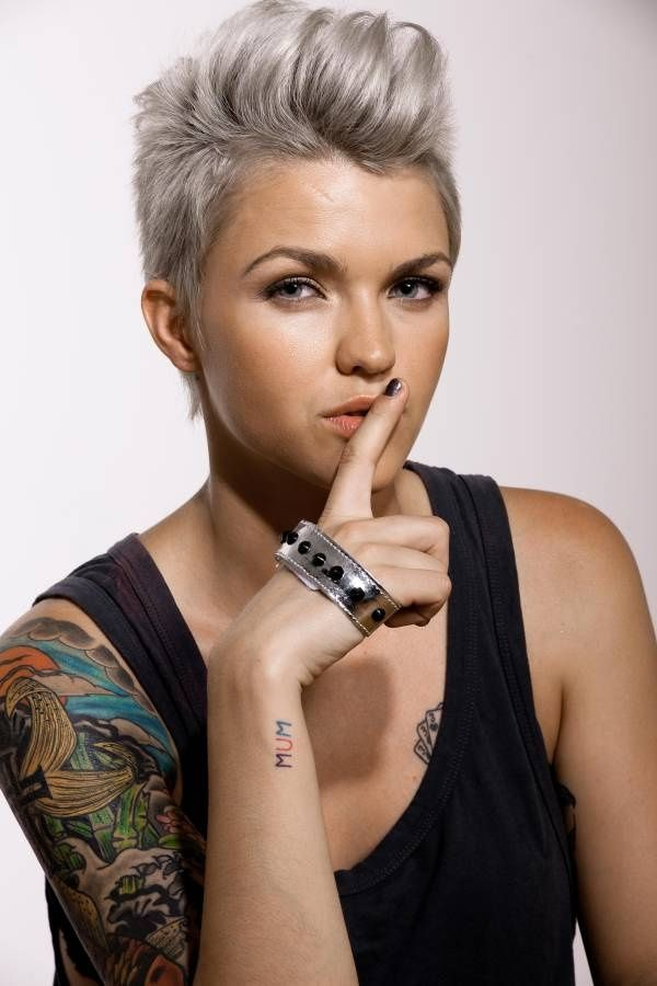 2015 Spring and Summer Hair Color Trends - Silver Hair 8